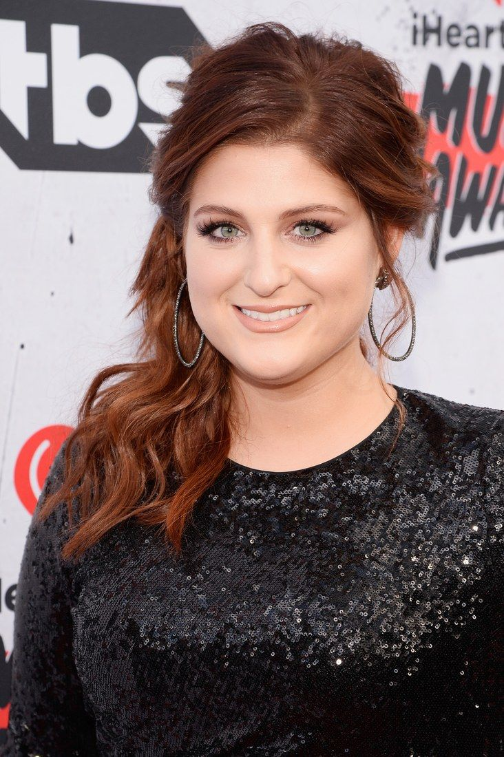 Meghan Trainor at the iHeartRadio Awards/number 3 on my birthday wish list is to meet Meghan.