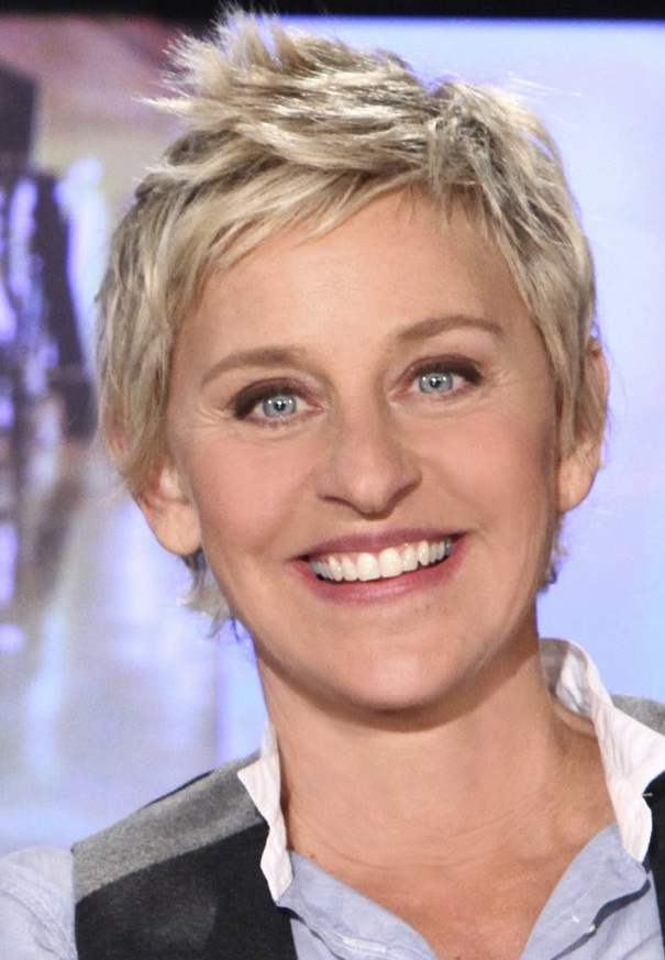 I LOVE Ellen Degeneres!!!! :) My dream is to go to her show!!! <3 If i could meet her in person for even 3 seconds i would cry and save that memory forever! But its way to much to fly to California. :((   I love you Ellen !! <3