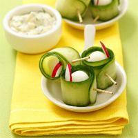 roulés de concombre,oeufs de caille et radis