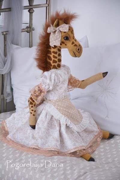 Giraffe Briana By Pogorelaya Daria - Bear Pile