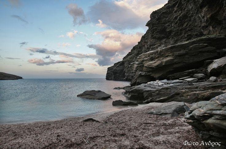 Παραλία στο Συνετί (Εκεί που γυρίστηκε η Μικρά Αγγλία)