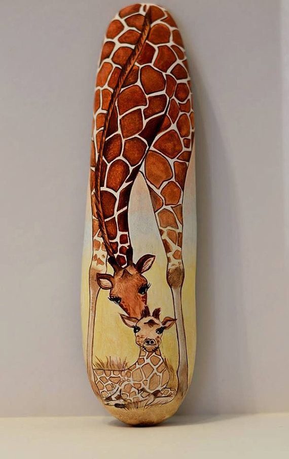 Painted stone sasso dipinto a mano. Giraffe and by OceanomareArt