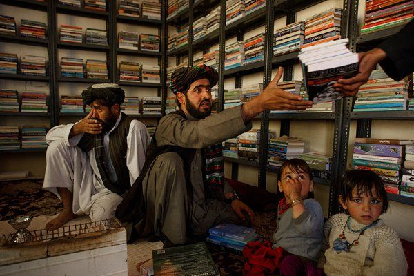 To Feed Hungry Minds, Afghans Seed a Ravaged Land With Books - NYTimes.com