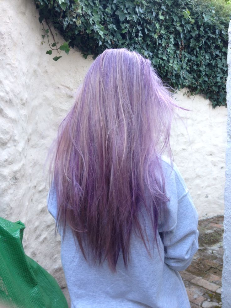 ayeeee this is when I first dyed my hair lilac mid last year, been purple and magenta since then yas