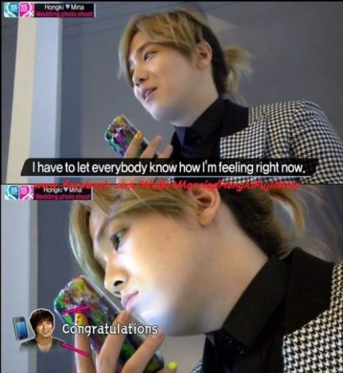 Hongki having a call with Yonghwa
