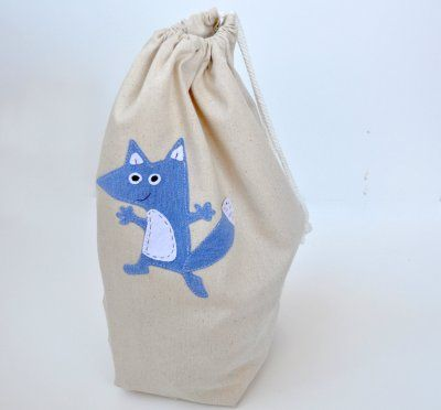 Easy 15 Minute Drawstring Bag Tutorial | The Mother Huddle
