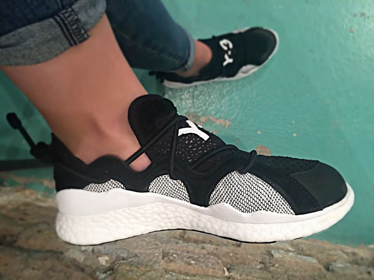 Y-3 boost toggle NEW IN!