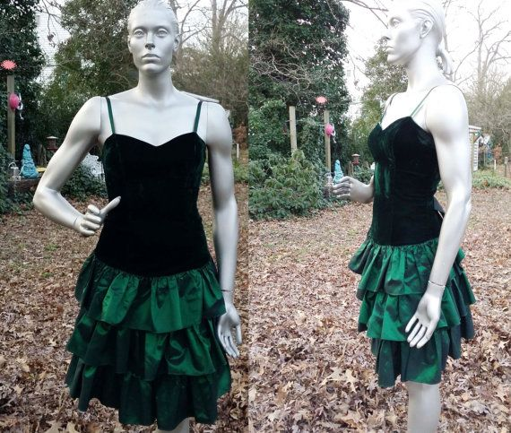 Beautiful 80s Prom Dress in Emerald Green by by gottagovintage1 #80spromdress #80sdress #roberta