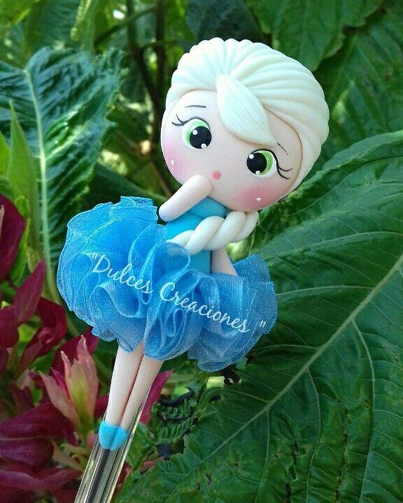 Elsa! Bolígrafo Decorado.  Hecho por Mary Reyes. Pasta flexible,porcelana fria,Biscuit.