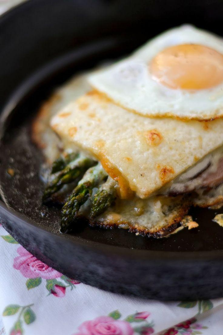 CROQUE MADAME CON ESPARRAGOS VERDES (Croque-Madame with Roasted Asparagus) #RecetasParaBrunch