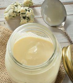 ¡Aprende a preparar tu propia salsa de quesos y úsala para pastas o pollo!
