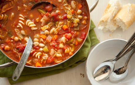 This is a wonderful hearty ministrone soup recipe that I love, love, love!  It's great served with a warm loaf of bread & butter.