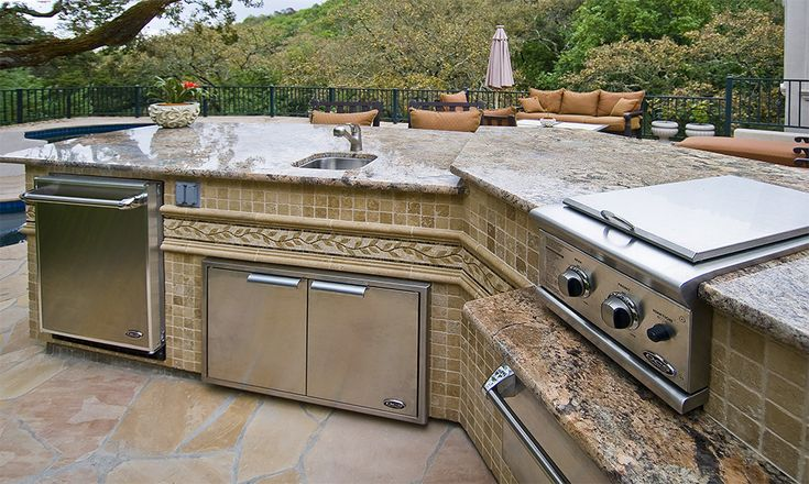 Outdoor barbecue kitchen islands custom gourmet galley for Custom outdoor bbq kitchens