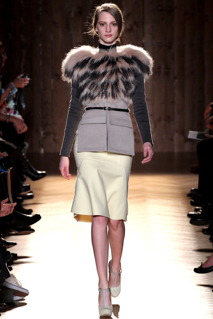 Roland Mouret - A very modern way to wear fur!