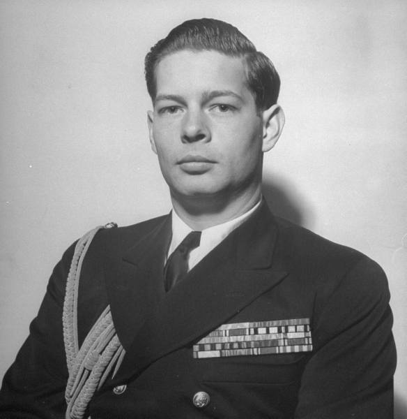 Source: http://only-romania.com/2012/05/king-michael-of-romania-in-april-1946/