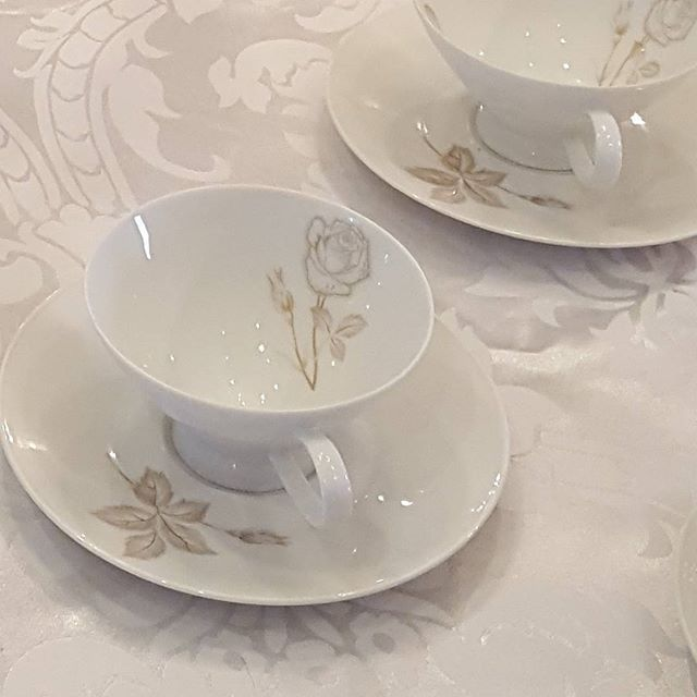 I'm loving these vintage tea cups of my client's.  #beautiful #tea #teacup #Ladiesluncheon #roses #vintage #vintagechina #white #eventstyling #eventplanner #gorgeous #dainty  #classic dainty #tea #classic #beautiful #vintagechina #gorgeous #white #vintage #roses #teacup #eventstyling #eventplanner #ladiesluncheon#eventprofs #meetingprofs #eventplanner #eventtech