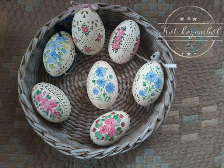 Kézzel festett tojások, csipkézve
