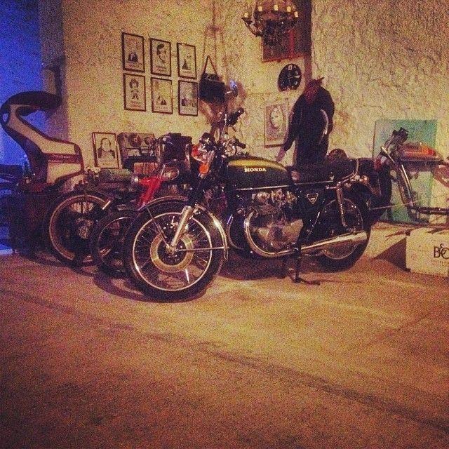 #honda #cb450 #vintagecorner #suturday #night