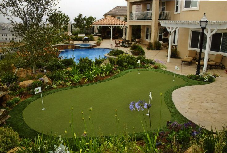 Whoa! Look at this Backyard Putting Green!!