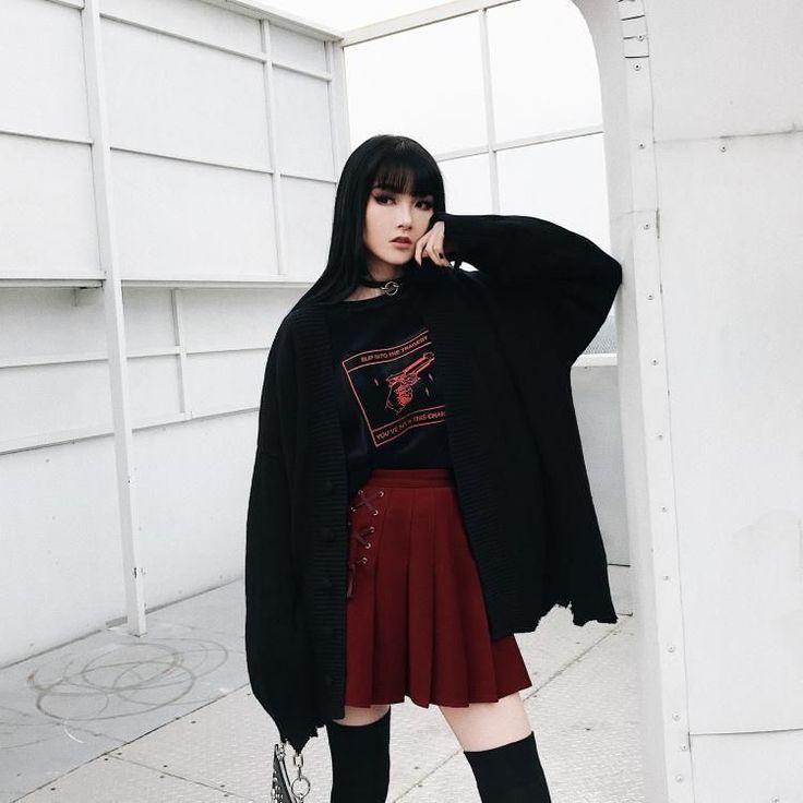 необычная фотосессия кореянки в черном перенесена новое