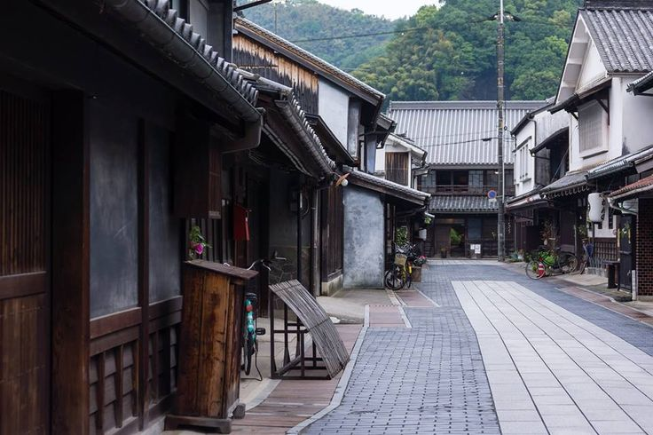 Travel back in time in Takehara's old town Takehara City is located east of Hiroshima City. The preserved historical town is known as Hiroshima Little Kyoto, Takehara's old town has buildings dating from the Edo period through to the Showa period. The city was known for its salt paddies