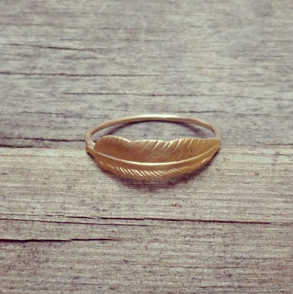 Feather ring by Tanja Ting