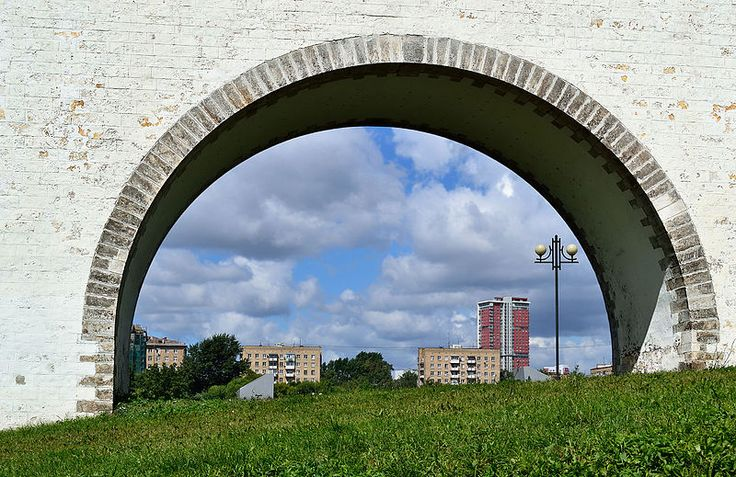 Moscow, Russia. A view through an arch of the Rostokino Aqueduct. Photo by Dmitry Ivanov. 2015. #arches #bridges