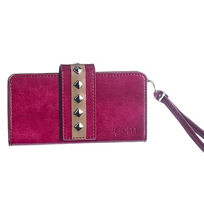 Studs #pochette universal case XXL size perfect for every look: jeans or tailleur, shoes boots and shoes! Available in 4 different, strictly studded, colours: pink, white, black, fuchsia. Carry it by hand or wrist thanks to the elegant matching lace.