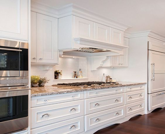 17 best images about design decor inspiration on pinterest for Benjamin moore oxford white kitchen cabinets