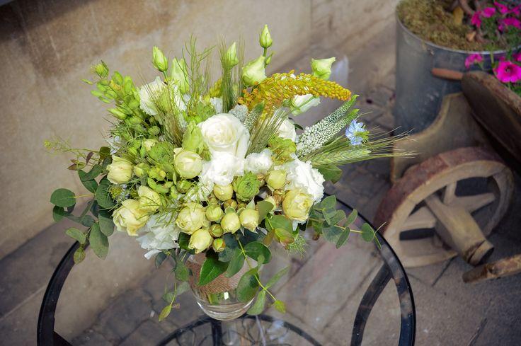 Rustic wedding bouquet / Menyasszonyi csokor mezei virágokból