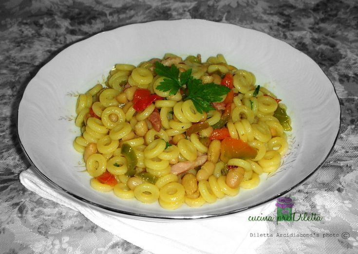 Pasta peperoni pancetta e fagioli cannellini
