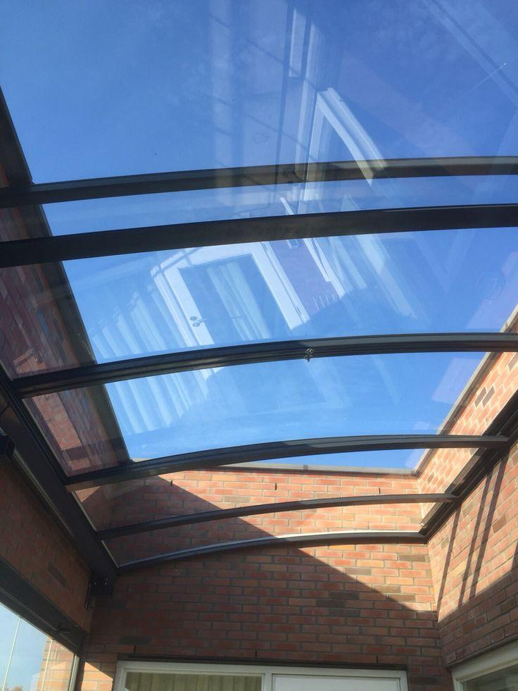 In patio in dak