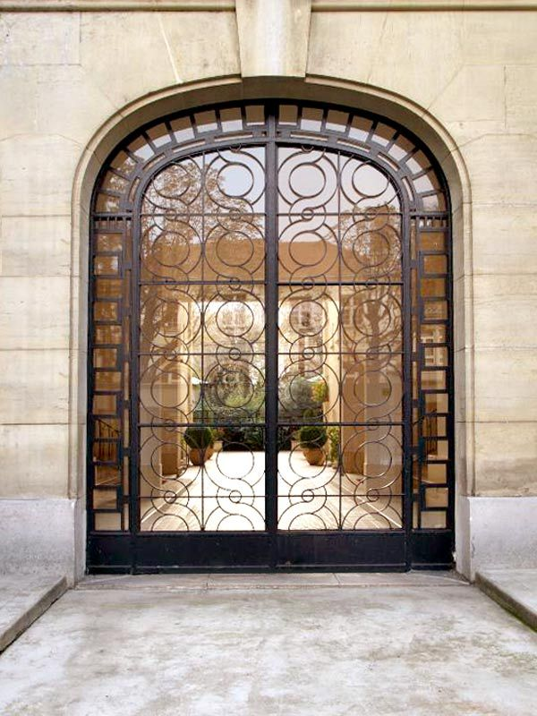 Iron Wrought Italian Courtyard