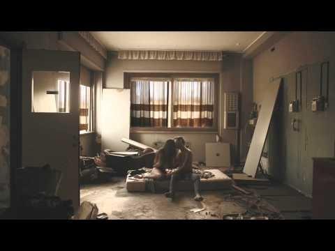Mecna - Kryptonite feat. Ghemon/Gilmar (Official Video HD)    NON HO PAROLE per descrivere questo video... è PASSIONE PURA!!!! <3