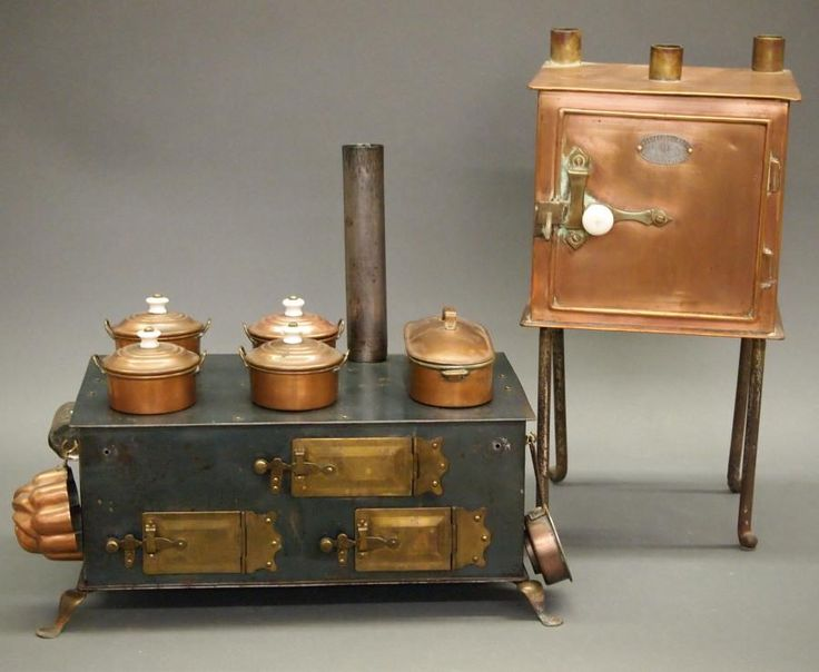 2 Vintage toy stoves - Price Estimate: $200 - $300