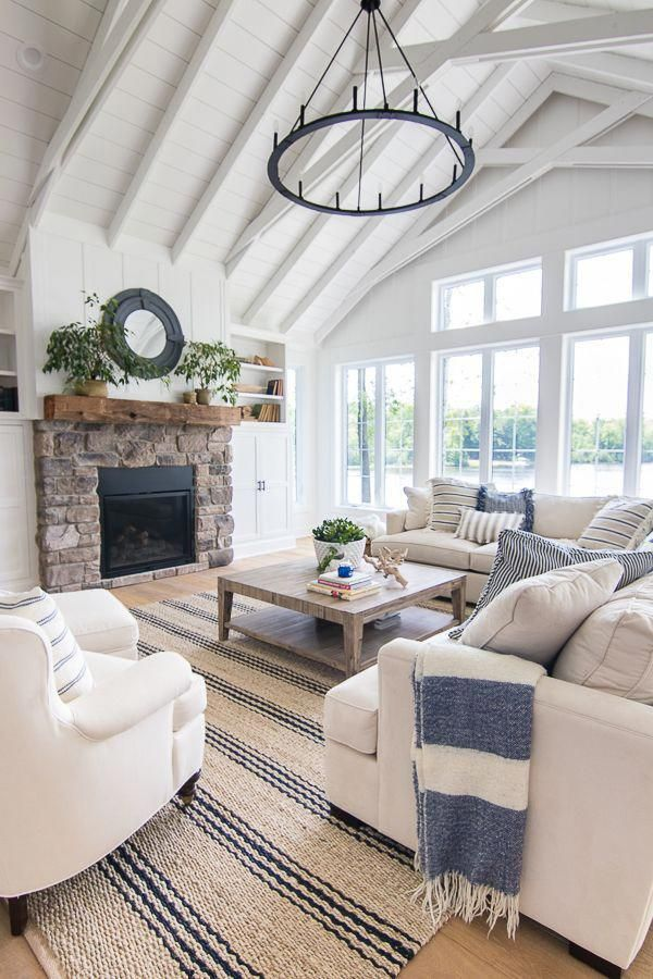 lake house blue and white living room decor we love this cottage rh pinterest com