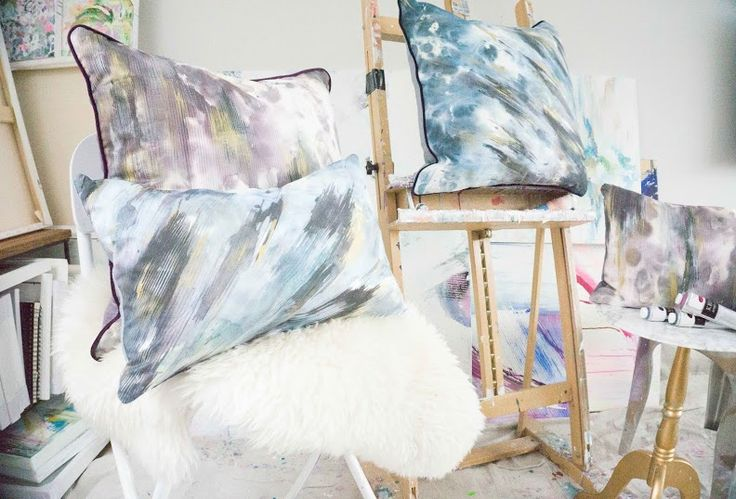 An exclusive collaboration with emerging Vancouver artist, Dana Mooney, the Smokeshowand Lumenance collections are both luxurious and exciting, while also moody and brooding. The pillows evoke movement in the brushstrokes and layers of saturation that provide depth. Each pillow has been uniquely treated by hand with gold fabric paint. No two pillows are alike.