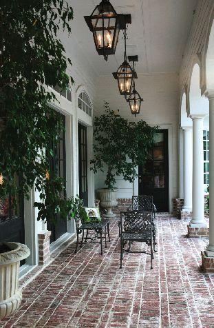 Love the brick patio ❤️