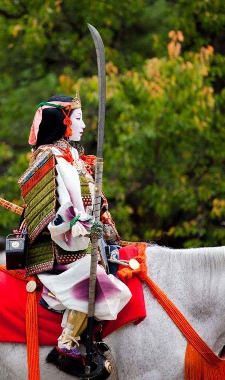 Si tienes la oportunidad no te pierdas los espectaculares trajes del #JidaiMatsuri de #Kyoto