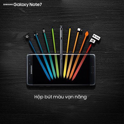 """S Pen - """"chúa tể"""" của những chiếc bút.  Với kích thước đầu bút chỉ còn 0.7mm cùng cảm biến áp suất lên tới 4096 mức độ lực, S Pen trên Samsung Galaxy Note 7 giúp bạn cắt, xén, dán tài liệu hay vẽ viết một cách dễ dàng và hiệu quả. Xem thêm chi tiết tại đây http://l.nguyenkim.vn/ltXR9 #nguyenkim #samsung #galaxynote7"""