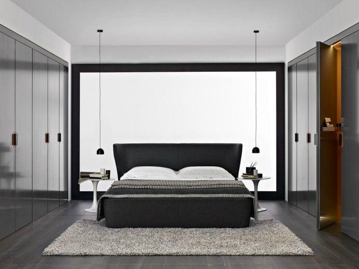 Ideal begehbarer Kleiderschrank mit ruhiger Wirkung im Schlafzimmer