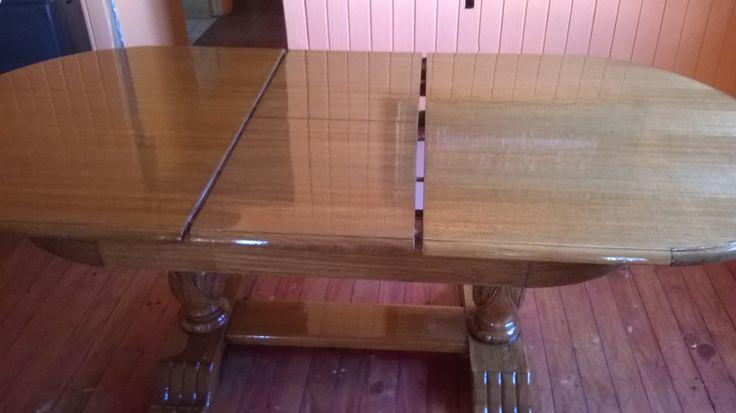 Mesa de comedor restaurada