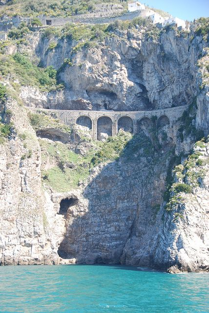 """Destinazione Italia"" il Travel Point dell'Ambastore di ""Assaggia l'Italia"" - The Coast Road - Amalfi Regione Campania Italy ""Assaggia l'Italia"" Cultura Arte Spettacolo Turismo Alimentazione Info@assaggialitalia.it - direzione@assaggialitalia.it"