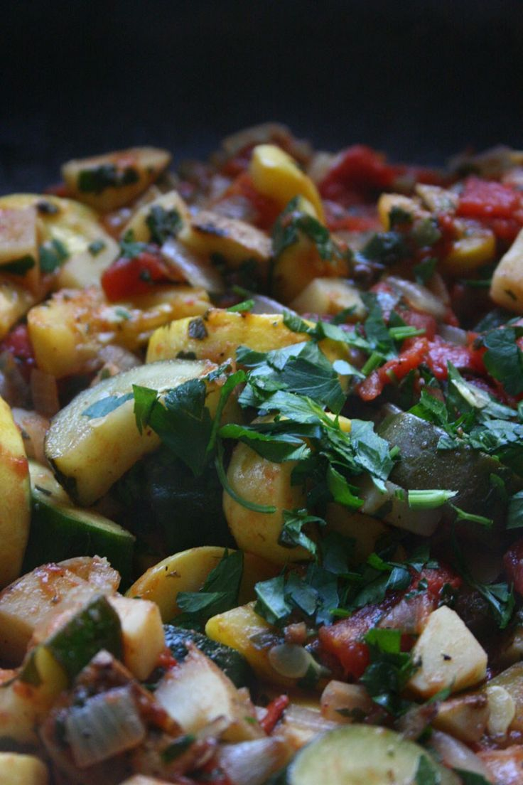 Serves 4-6 Turli Perimesh is alight and refreshing accompaniment to meat. The influence of Italian cusine on Albaniais apparent both in the use of squashes andfresh parsley. Ingredients: 2mediu...