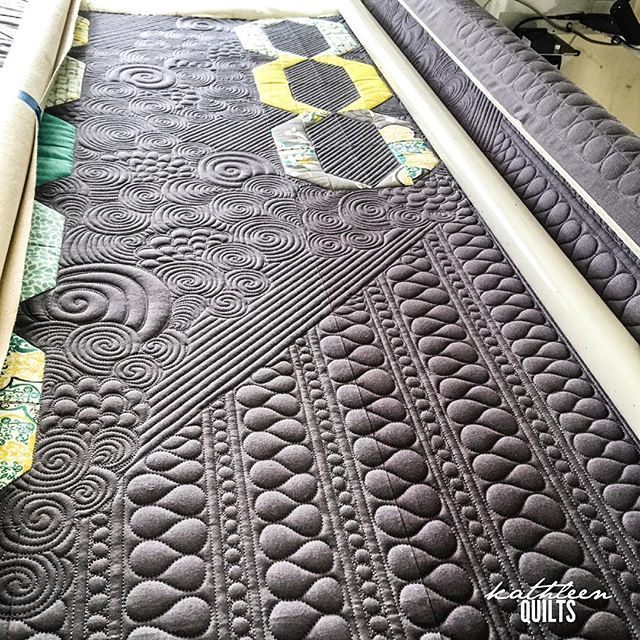Texture on @k.marie.l 's quilt. 16 straight hours of quilting yesterday made me very productive  apparently I missed my longarm. #longarmquilting #apqslucey #apqscanada
