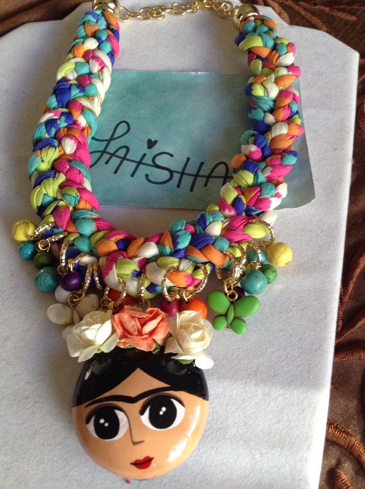 Collar de cerámica pintado a mano Frida Kahlo  Facebook Bisutería Laisha
