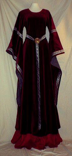 http://medievalweddingdresses.ideasforweddings.net/wp-content/uploads/2009/04/medievaldress29.jpg