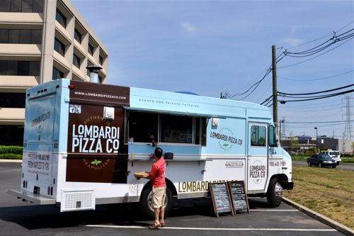 Lombardi Pizza Co.: Truckin' Great Pizza in Edison, New Jersey