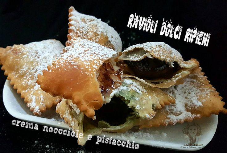 Ravioli dolci di carnevale con nutella e crema di pistacchio