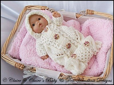Knitting Pattern Doll Sleeping Bag : 234 best images about de belles poupees on Pinterest